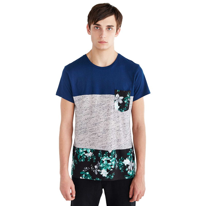 T-Shirt Masculina com Bolso Floral